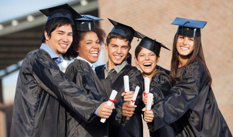 5 Kesalahan Pengelolaan Keuangan Pada Lulusan Baru